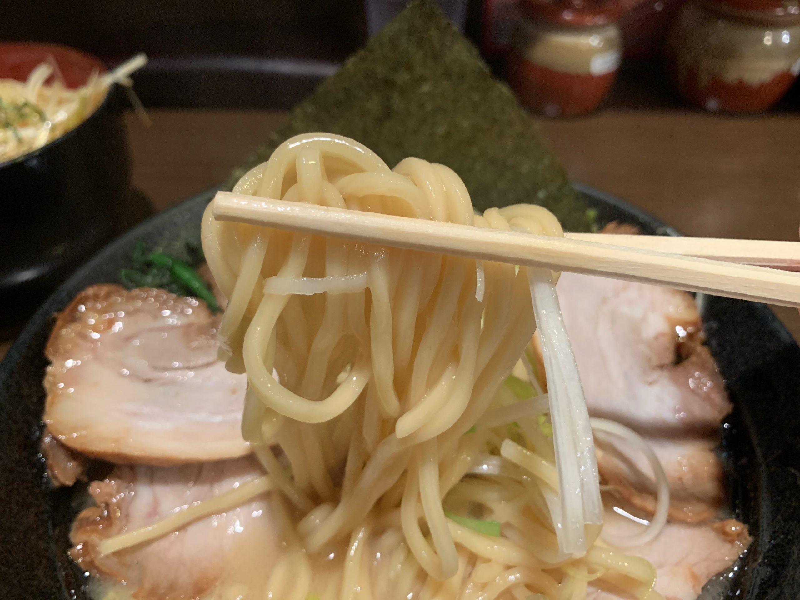 壱壱家の麺