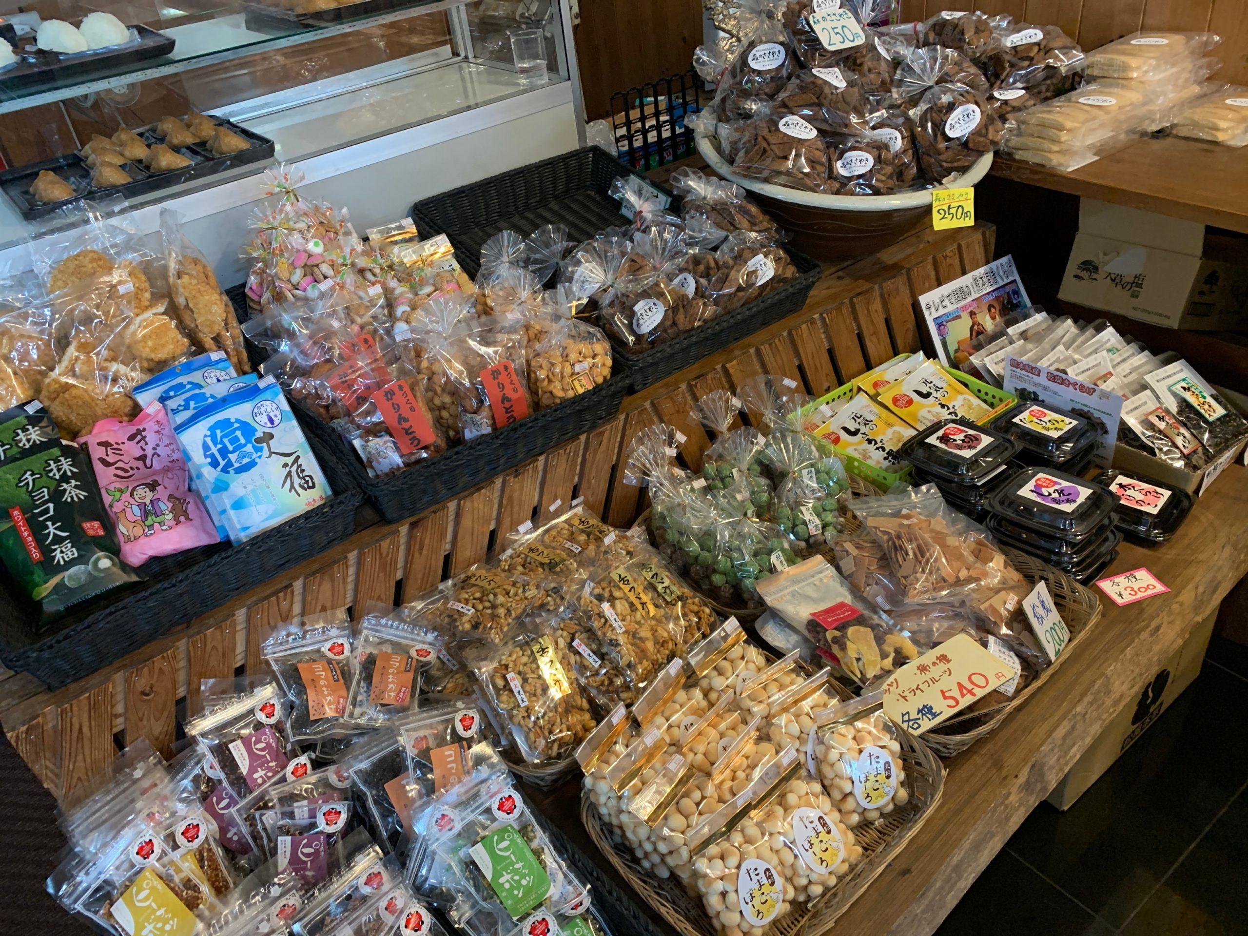 麦の花のお菓子売り場