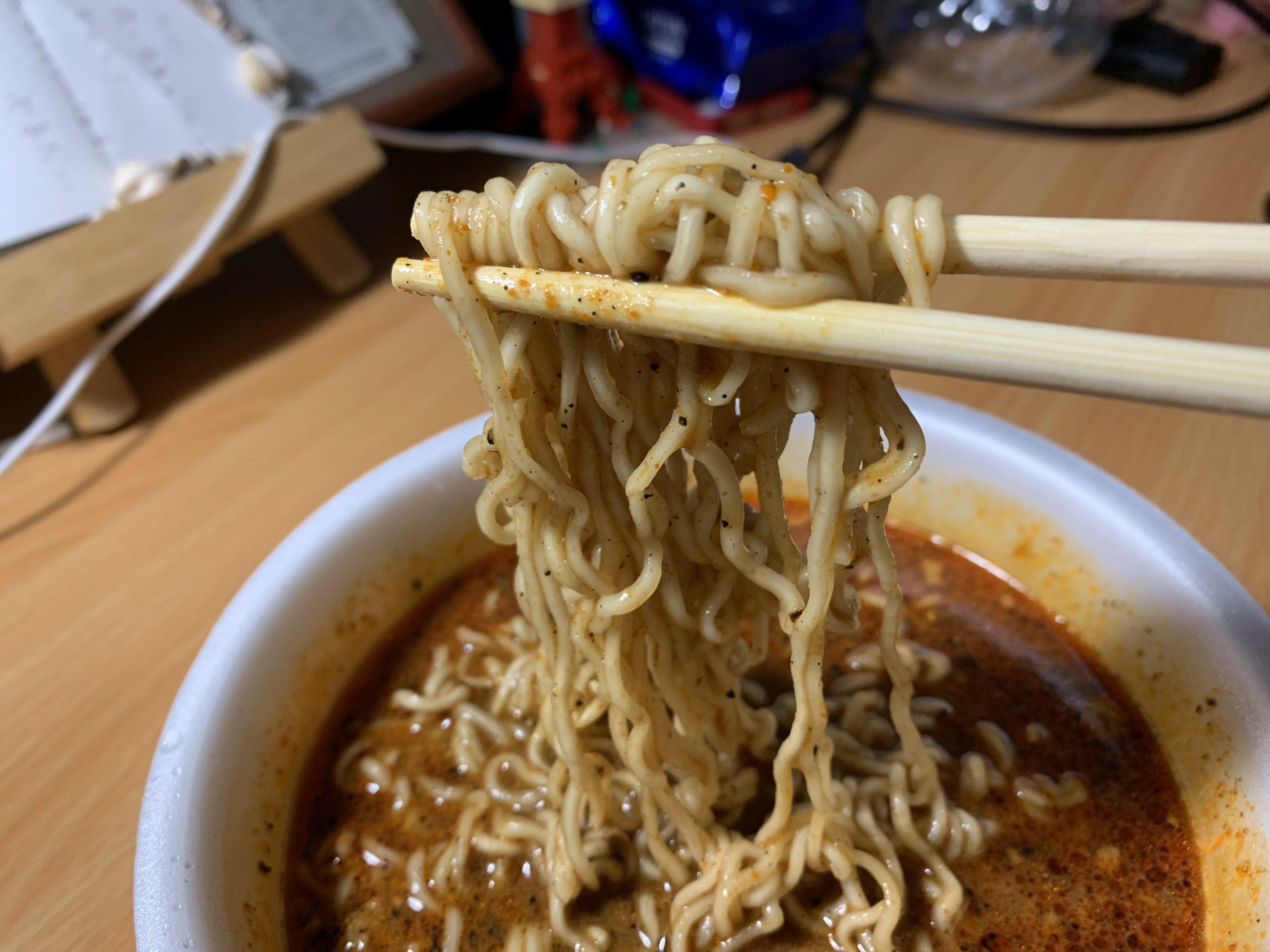 麺や兼虎カップ麺の麺