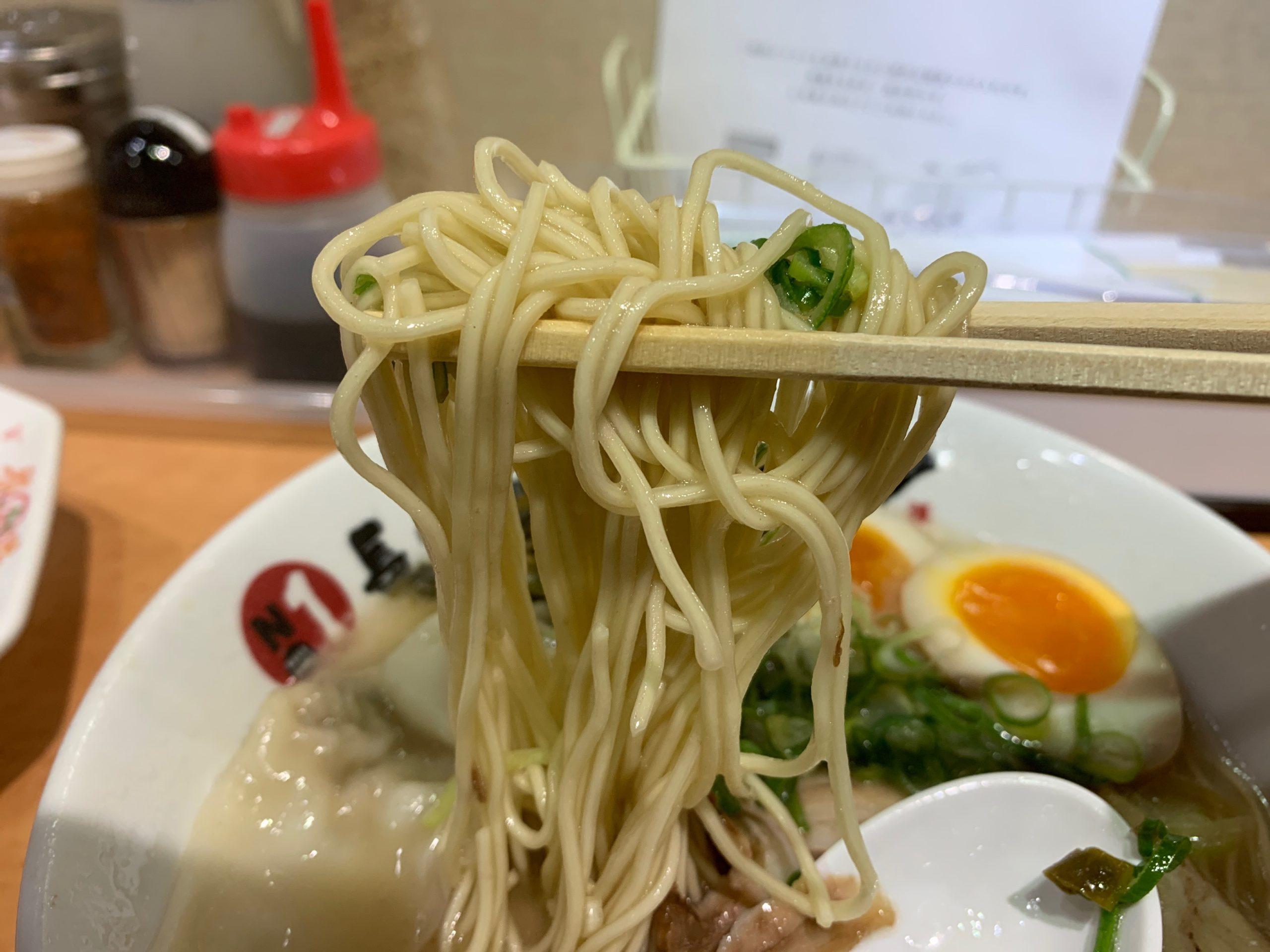長浜ナンバーワンの麺