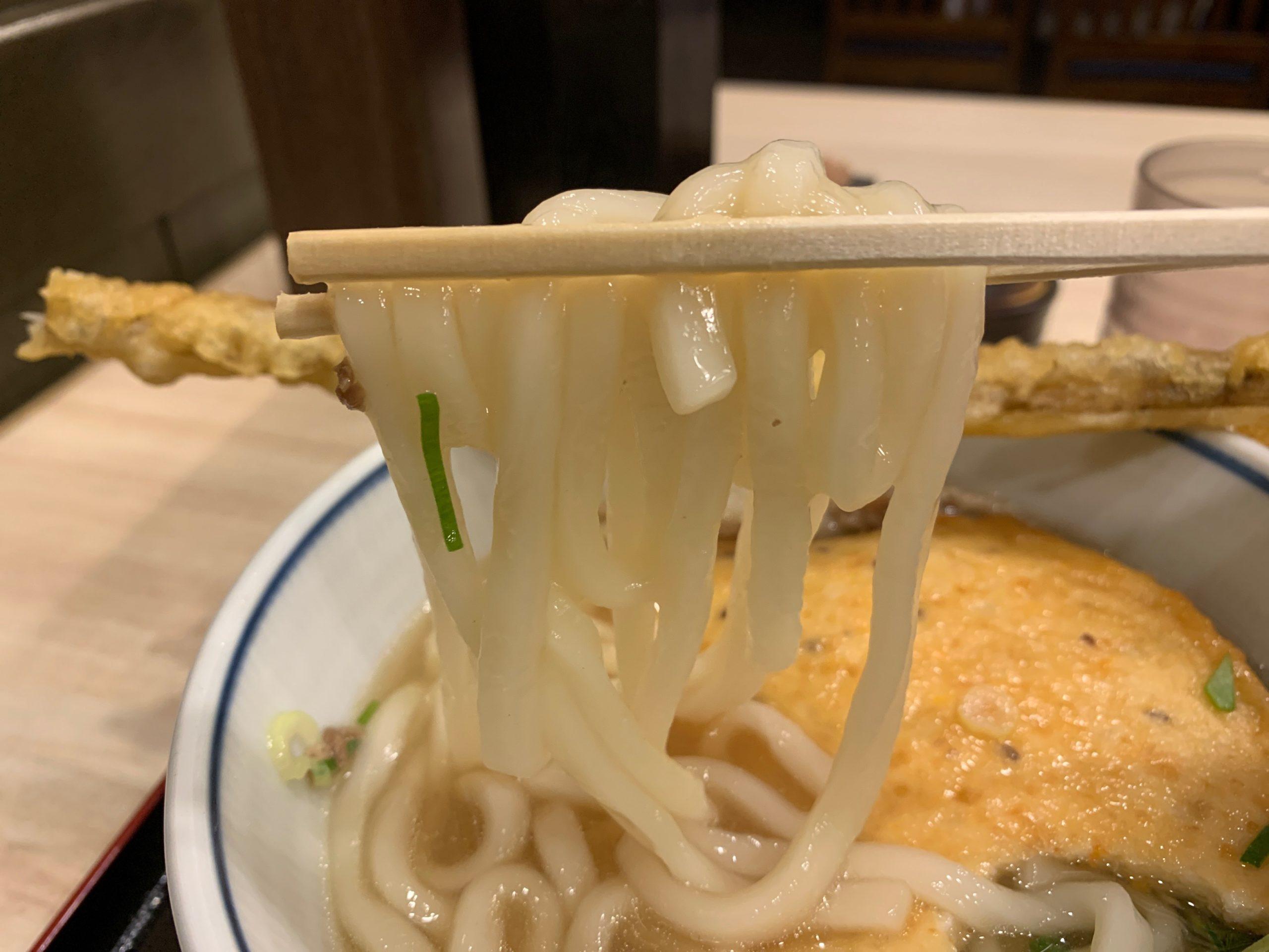 博多やりうどんのうどん麺