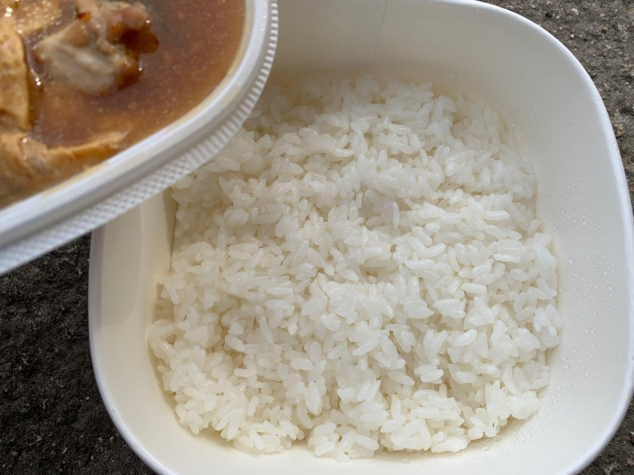 うどん屋さんの玉子とろとろ親子丼の白ご飯