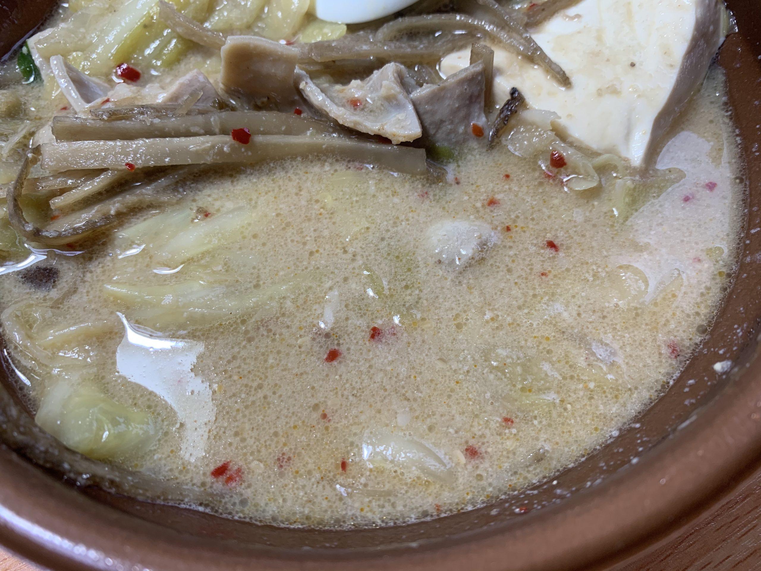 セブンイレブン博多もつ鍋みそ味のスープ