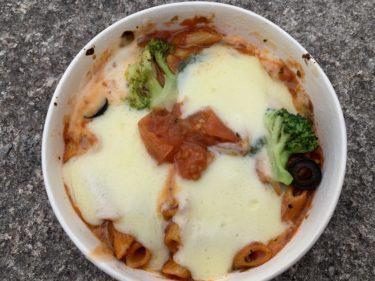 【セブンイレブン】たっぷりチーズのマルゲリータ風グラタンの紹介!トマトとチーズが相性抜群の商品!