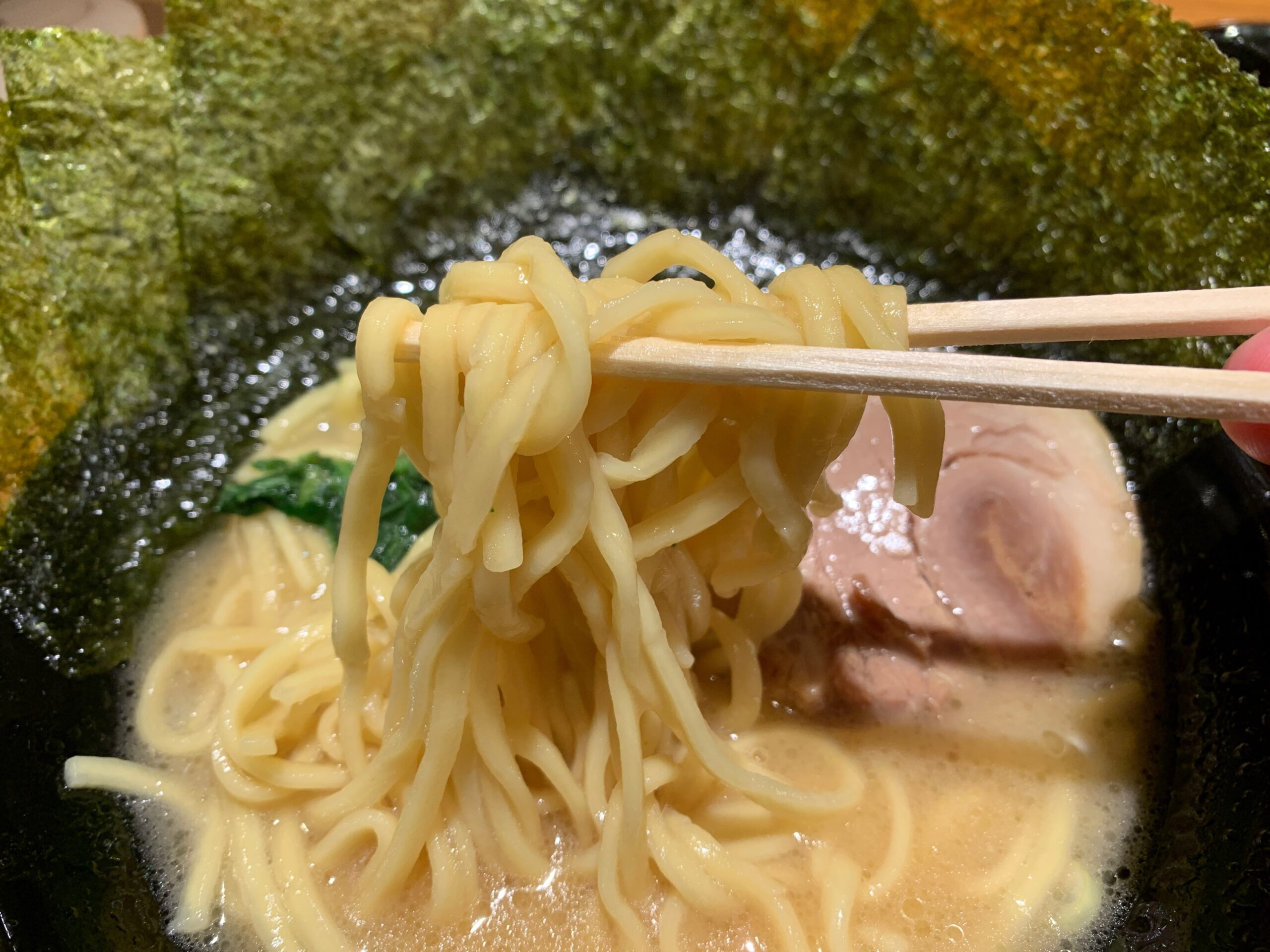 横浜家系ラーメン角蔵家の麺