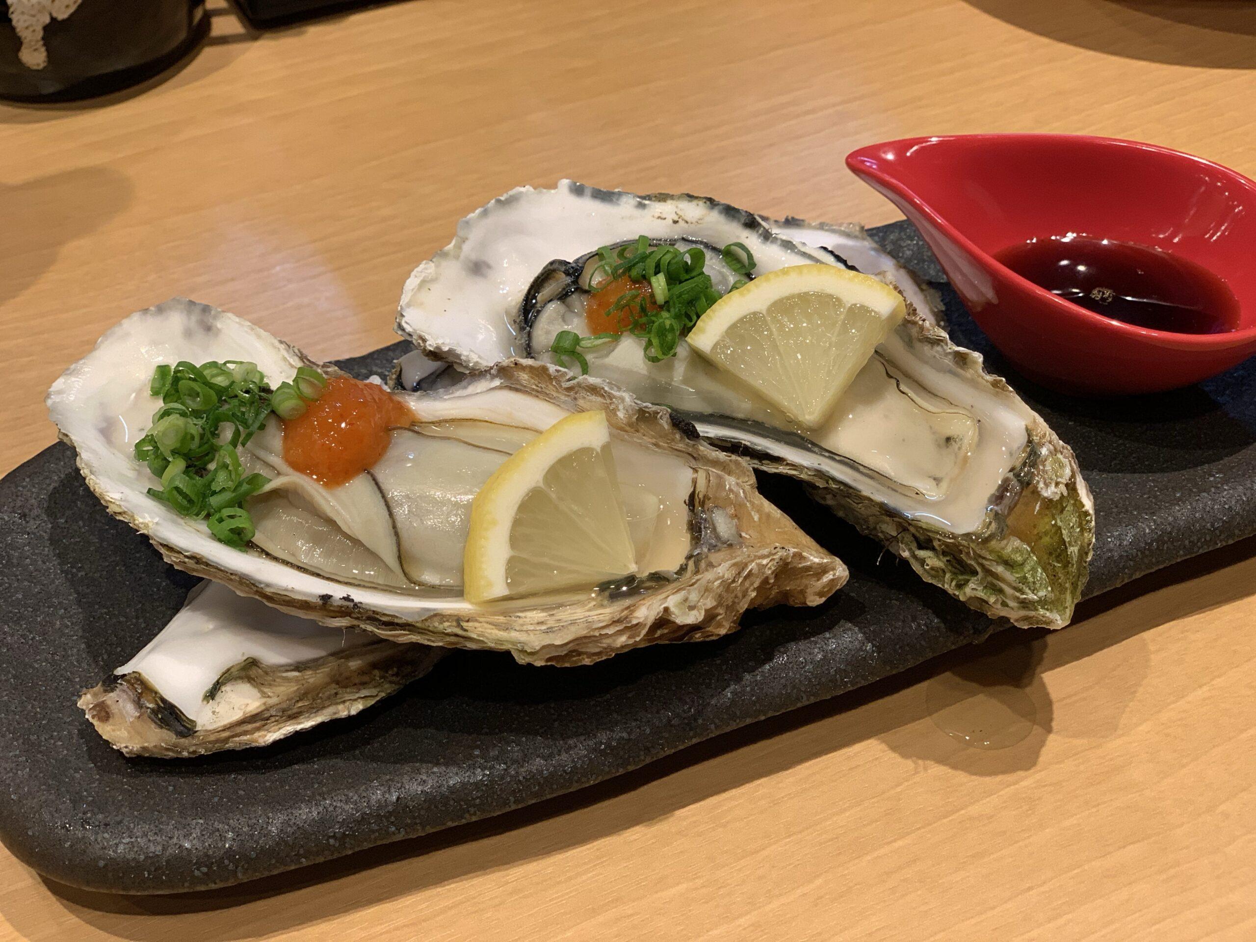博多とりかわ焼 隅の気仙沼産の焼牡蠣
